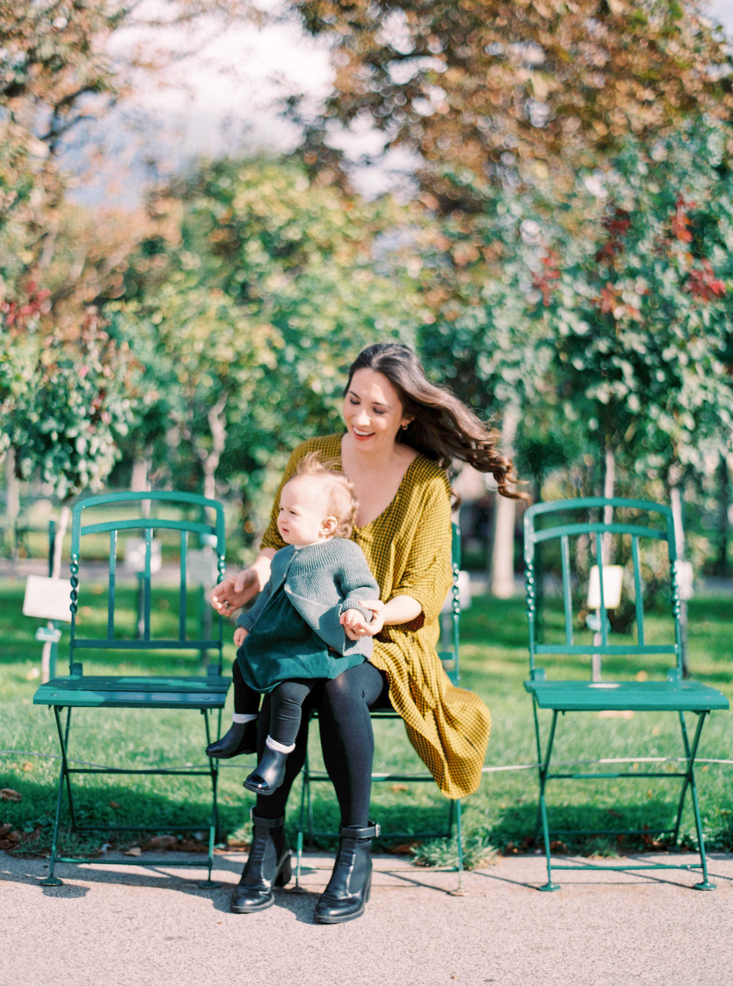 15 Mom Daughter Viennese Portrait Session in Volksgarten by Tony Gigov