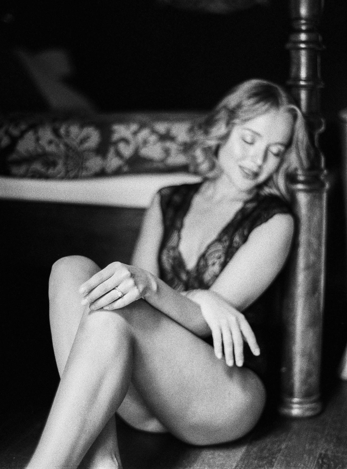 20 Sensual Tuscan Boudoir Session--15